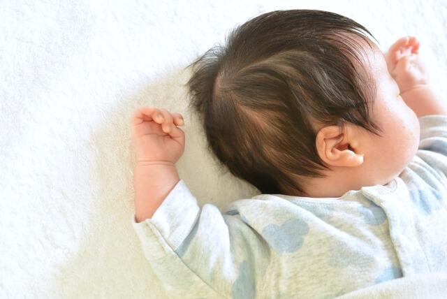 産後の赤ちゃんの画像
